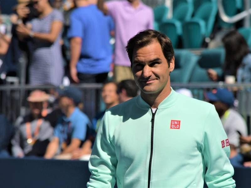 Florida Good News: Tennis Greats, Ray Fever, Wily Raccoon
