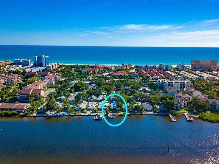 Sarasota Villa Offers Dazzling Views Of Intracoastal
