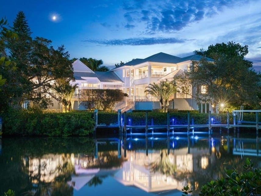 $4.5 Million Waterfront Mansion In Sarasota