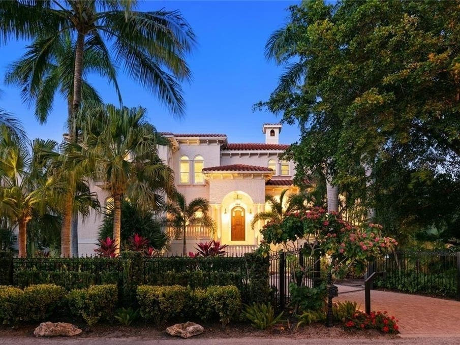 Sarasota Showstopper Offers Best Of All Worlds For $6.3 Million
