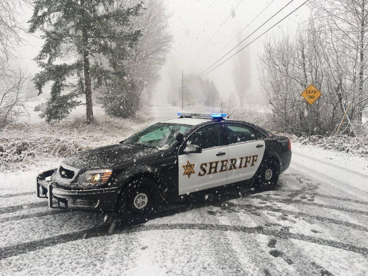 Surprise Snowstorm Hits Western Washington During Monday