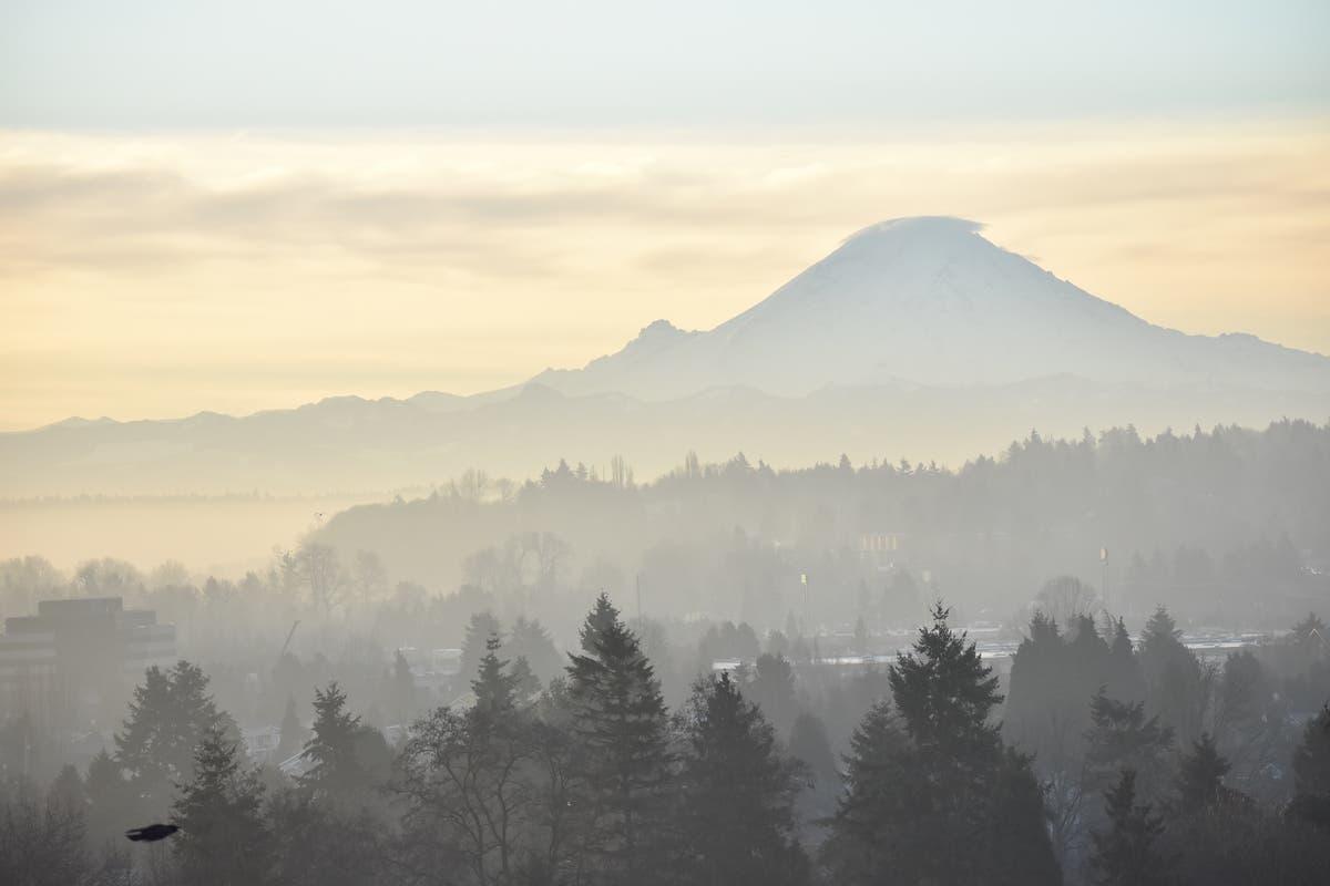 Prepare For Mt  Rainier Eruption During 'Volcano Awareness