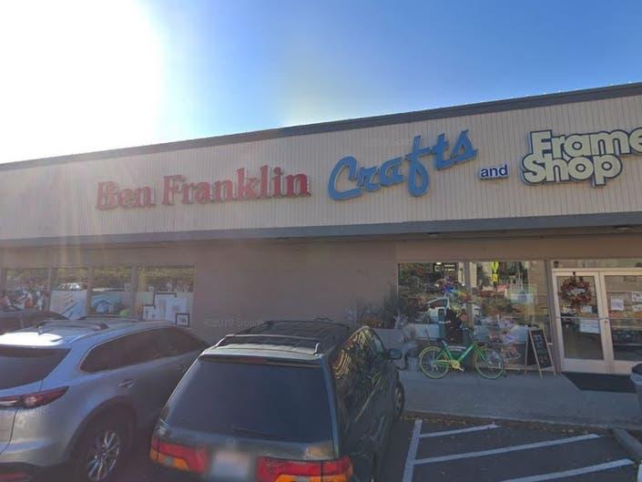 Burglars Hit 2 Stores At Downtown Redmond QFC Plaza