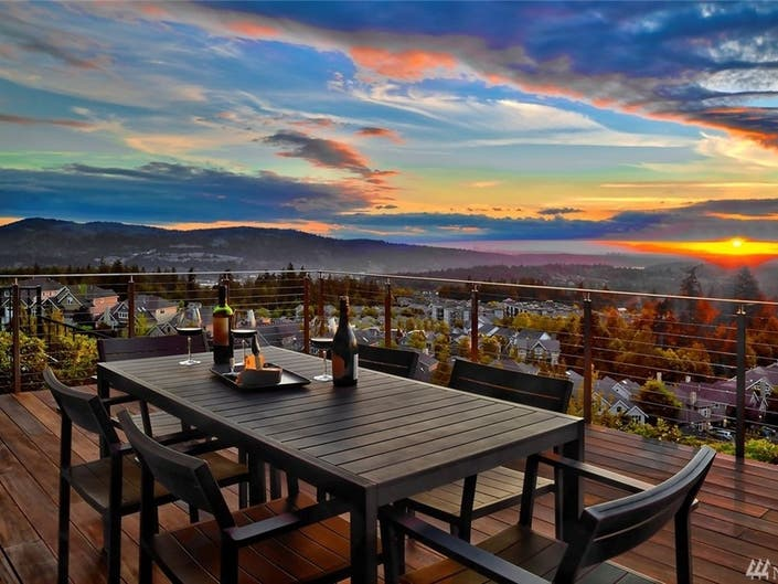 Live On Top Of Issaquah For $3 Million