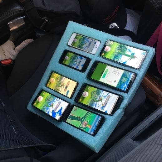 Wash. Man Caught Playing Pokémon Go On 8 Phones In His Car