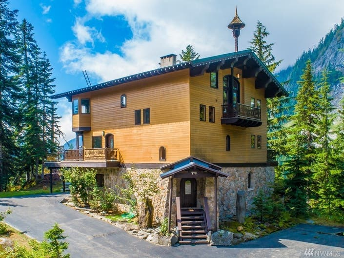 Summers Over, So Check Out This Snoqualmie Pass Ski Chalet