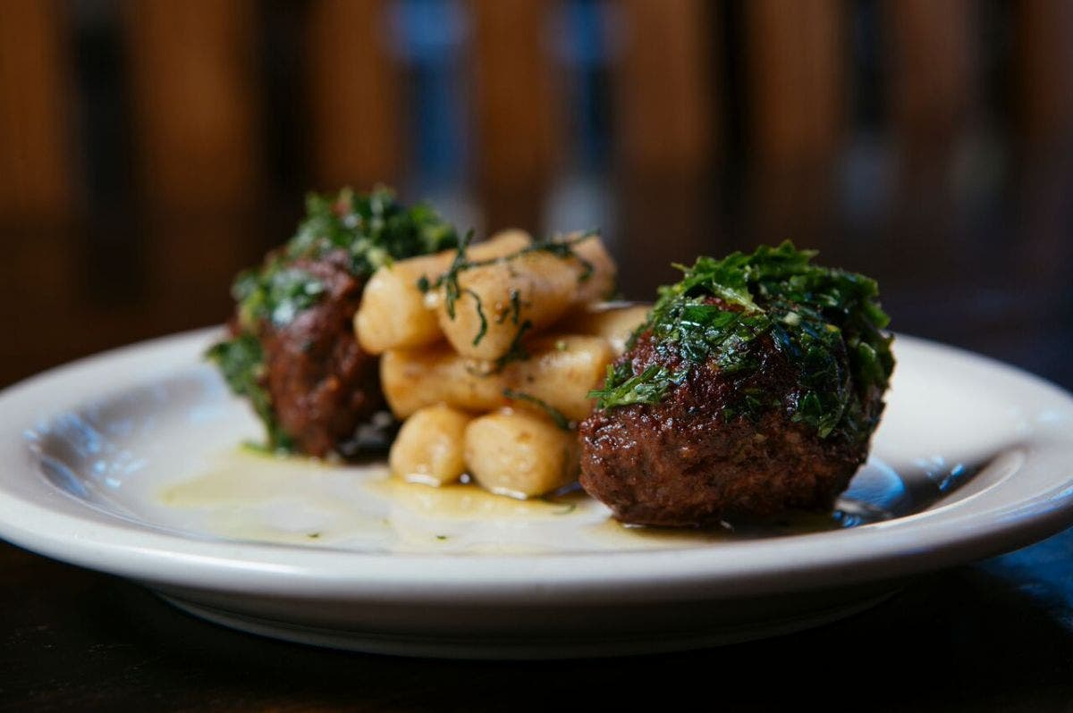 Check out where to find special dining deals and discounts all month long on Chicago's North Shore.