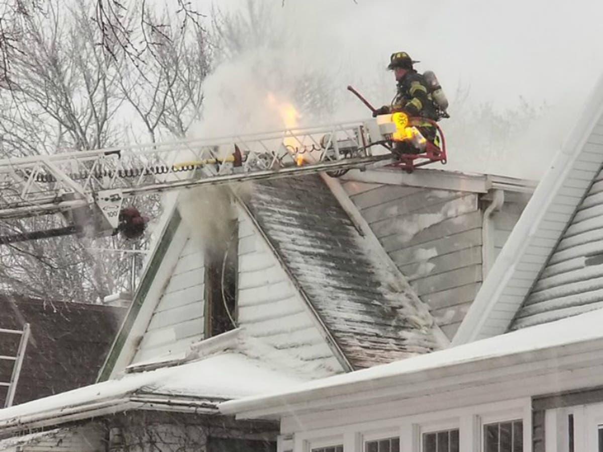 Christmas Decorations Start Evanston House Fire: Fire Department