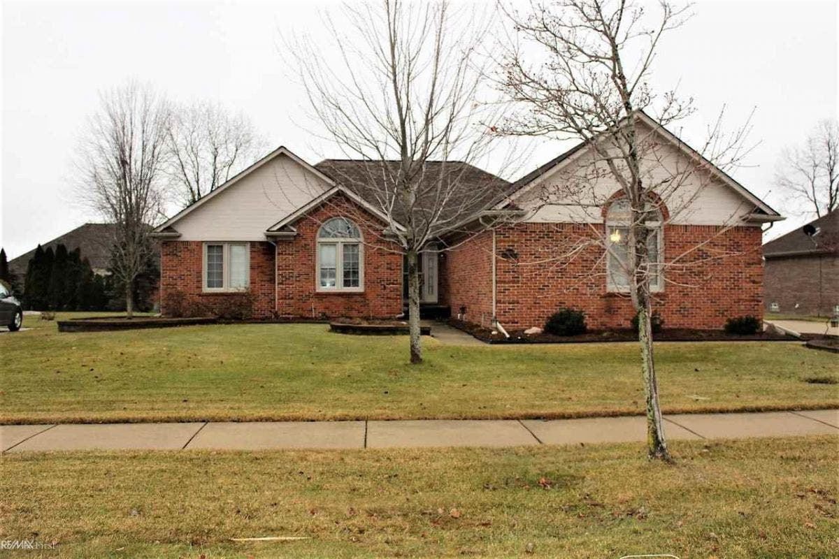 Beautiful brick ranch for sale - close to Troy Beaumont