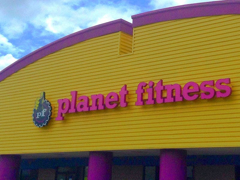 new cranberry planet fitness to give away free pizza cranberry pa