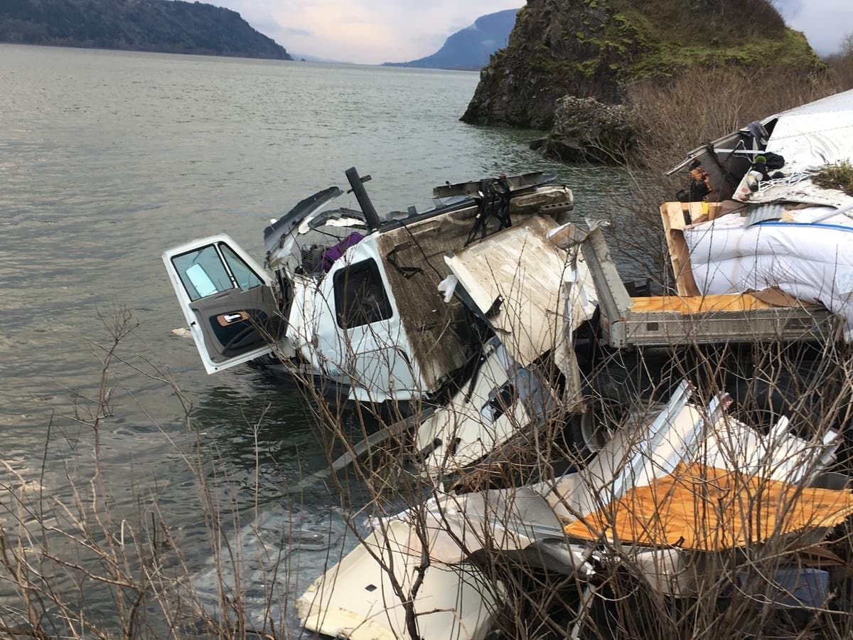 I-84 Crash: Minor Injuries For 3 People Involved In Semi VS Chevy