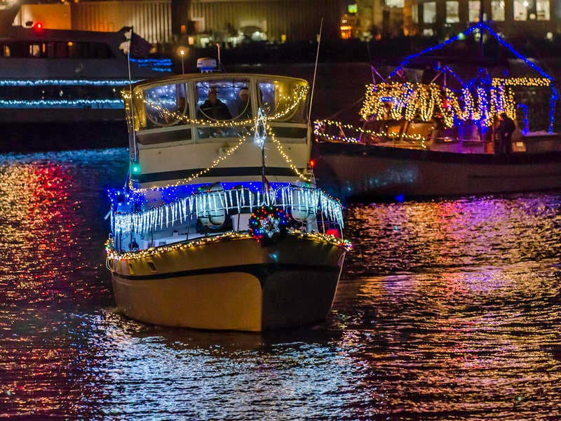 Watch Alexandria\'s Holiday Boat Parade Of Lights | Old Town ...