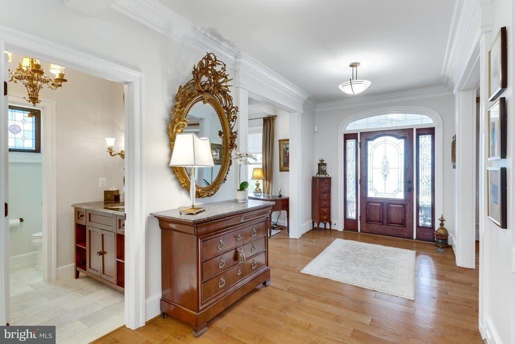 Vienna Wow House Stylish Home With Backyard Pergola