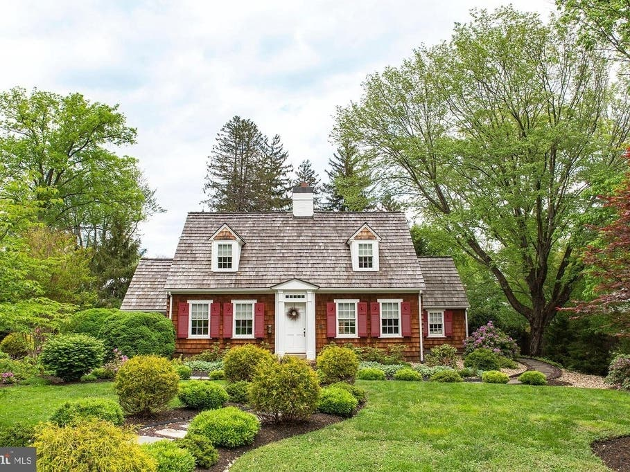 Falls Church WOW House: 1930s Home With Preserved Features ...