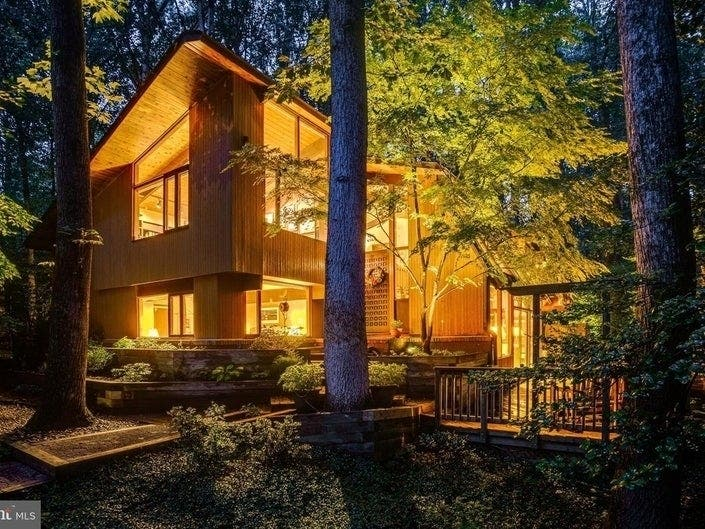 VA, DC Dream Homes: Portuguese-Style Pool House, Wooded Retreat