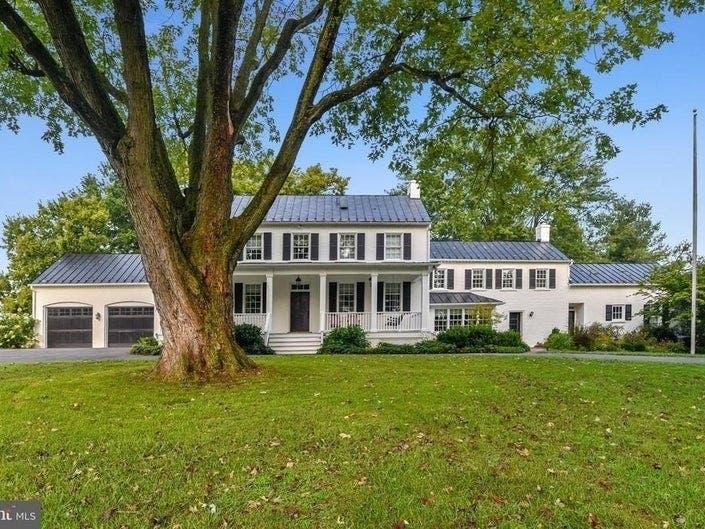 Virginia, DC Dream Homes: 1790 Farm Estate, Private Lake Dock