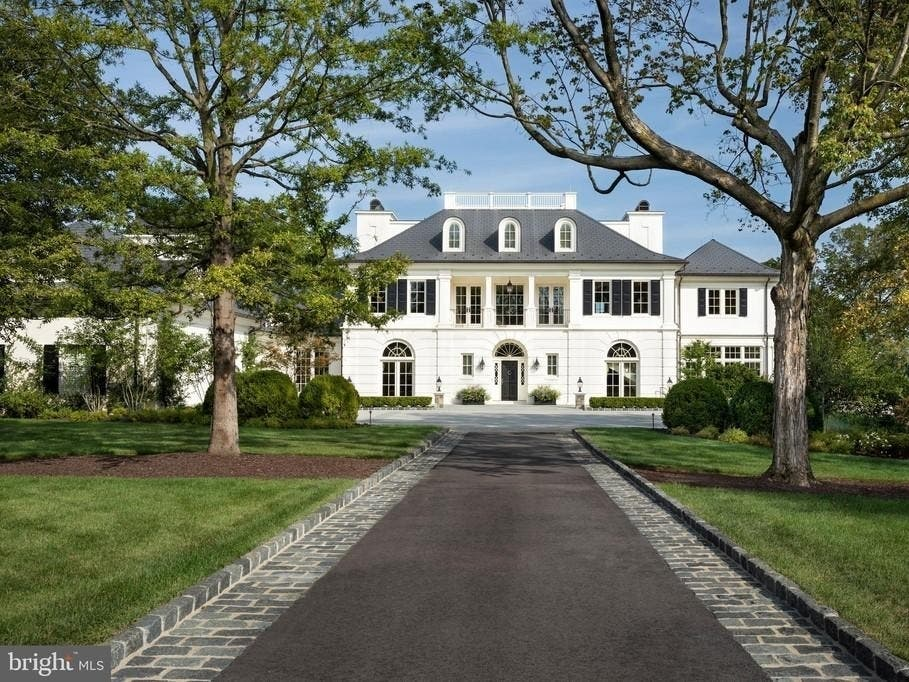 River View Estate On George Washington's Land Up For Sale