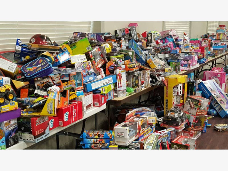 Illinois Tollway Collects Toys For Tots Donations