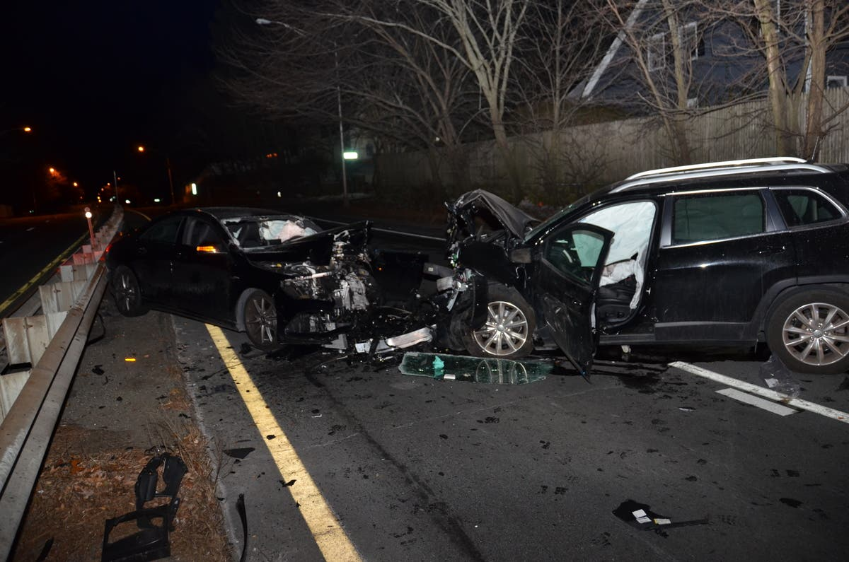 2 Expected To Survive Wrong-Way Crash On Rt 9: Wellesley