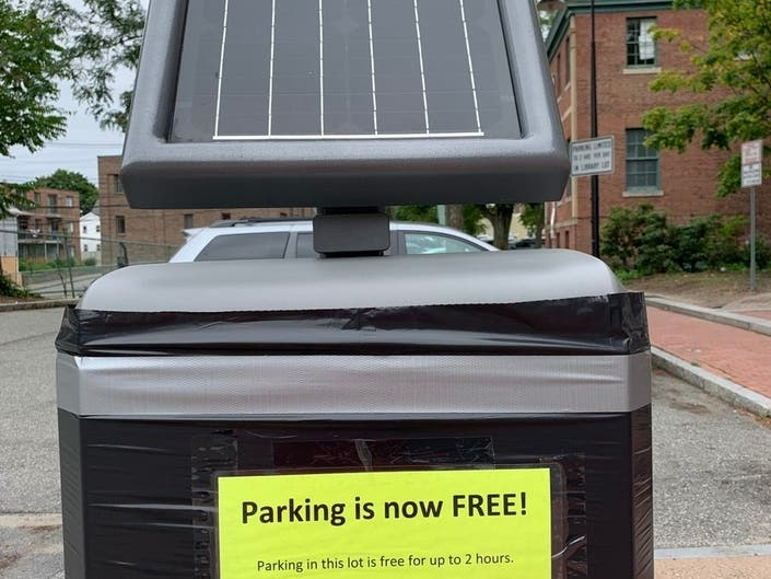 Waltham Library Gets Free 2-Hour Parking