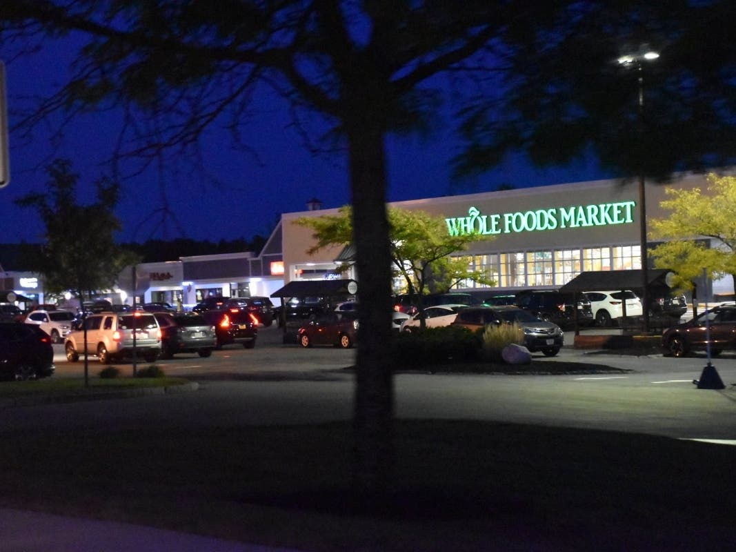 Is Whole Foods Open On Christmas 2021 Wegmans Whole Foods Star Newton Christmas 2020 Grocery Hours Newton Ma Patch