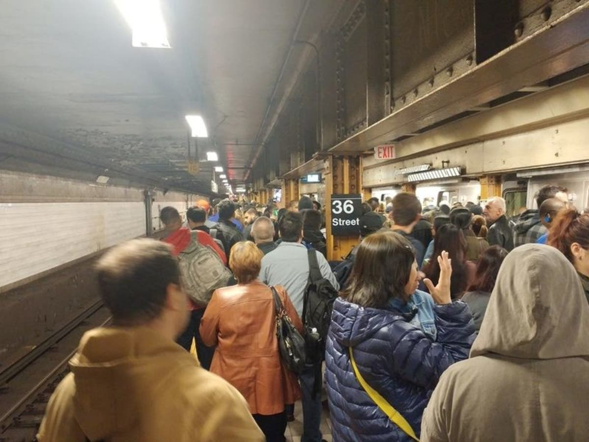ICYMI: Subway Delays Cost New Yorkers $307M In Lost Work