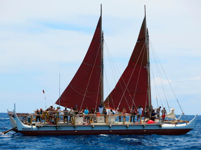 Canoe Returning To Hawaii After Epic Round The World