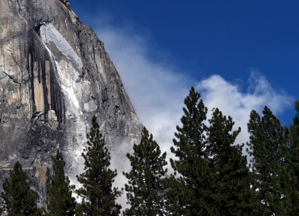 Yosemite Rockfalls: Climbers Snap Dramatic Photos Of