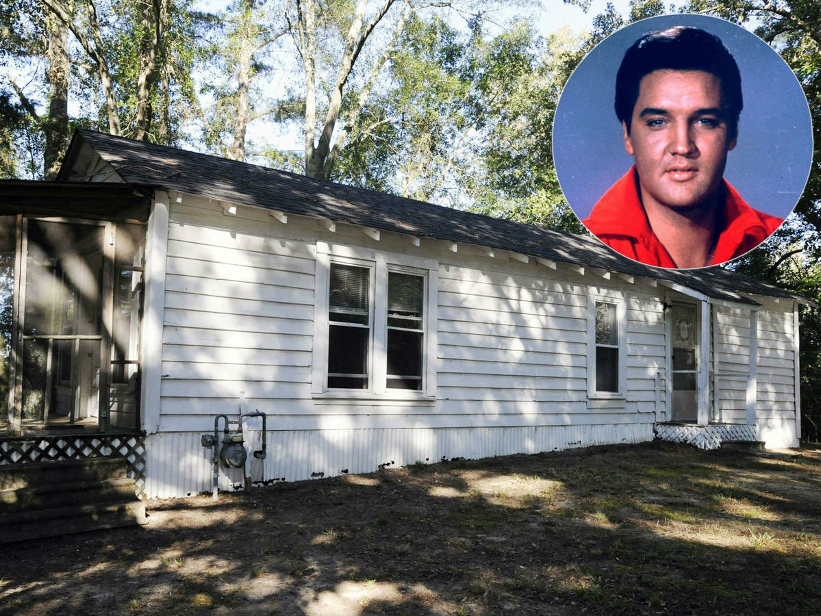 How Much Would You Pay To Live In Elvis Presley's Childhood Home