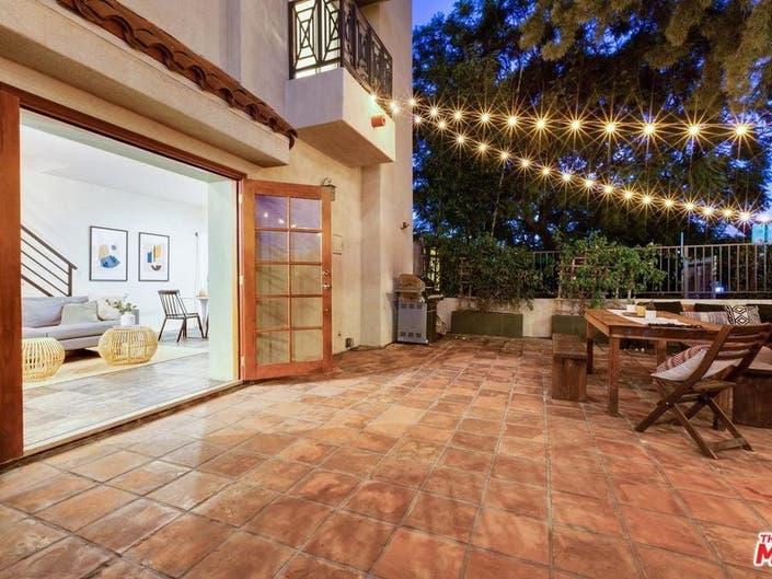 Santa Monica Townhome Boasts Decorative Fireplace-1