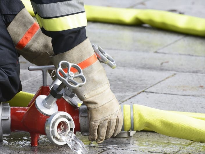 Bluff Fire Reported On PCH In Santa Monica