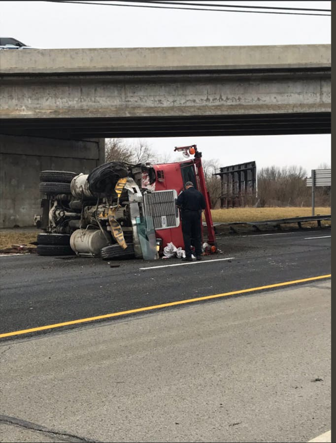 Expect Delays After 1 Hurt In Accident On EB I-465 In Carmel