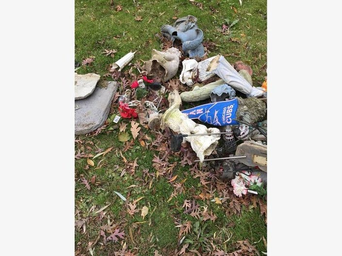 Readers Debate Joliet Cemetery S Gravesite Garbage Pile Joliet Il