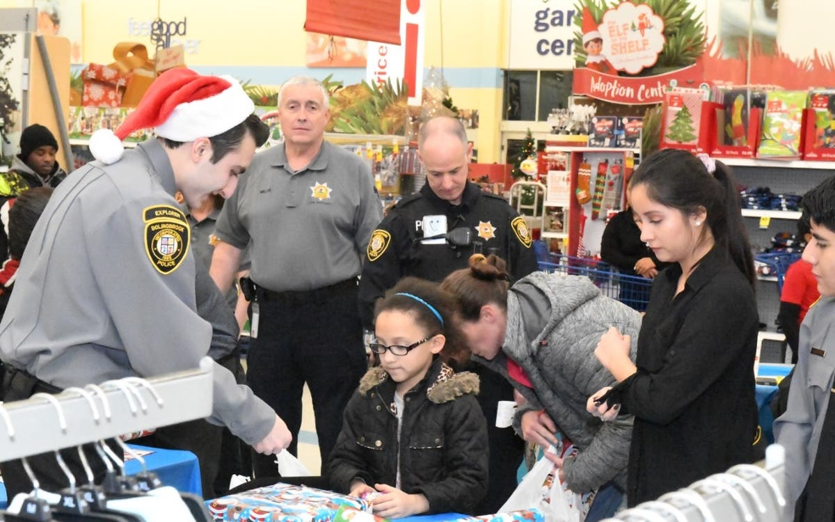 Bolingbrook Police Hold Shop With Cop At Meijer Store | Bolingbrook