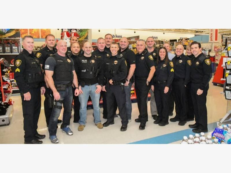 Bolingbrook Police Hold Shop With Cop At Meijer Store