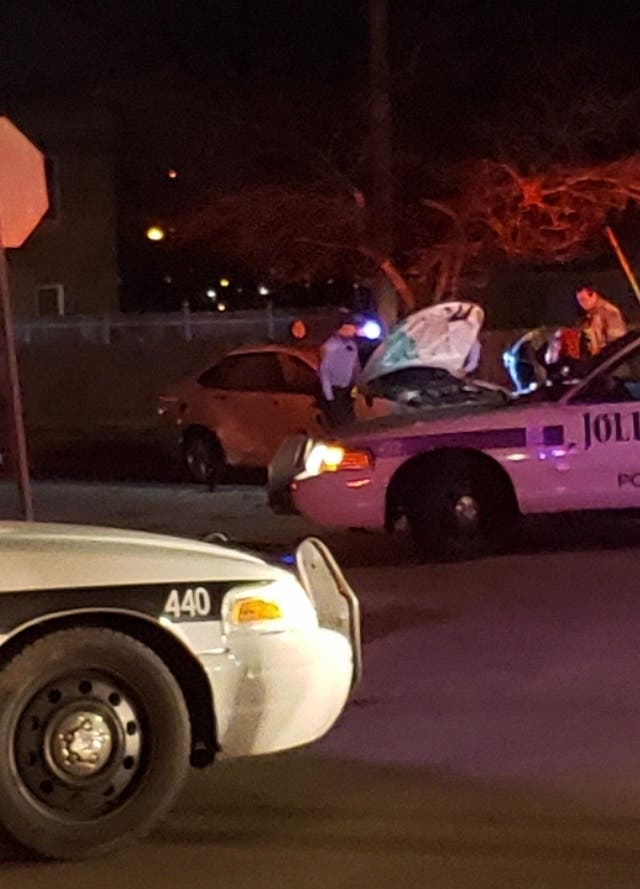 2 Injured As Car Hits House On Broadway Street Joliet Il Patch
