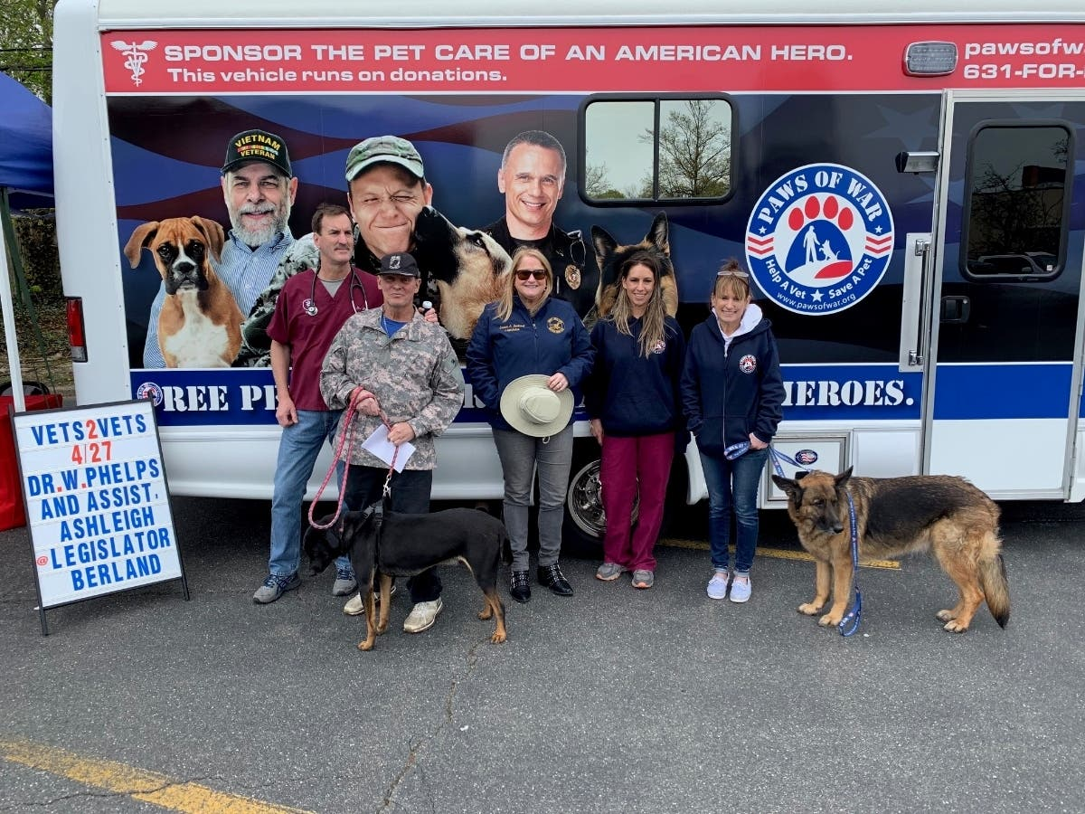 Suffolk Officials Hosts Free Mobile Veterinary Clinic