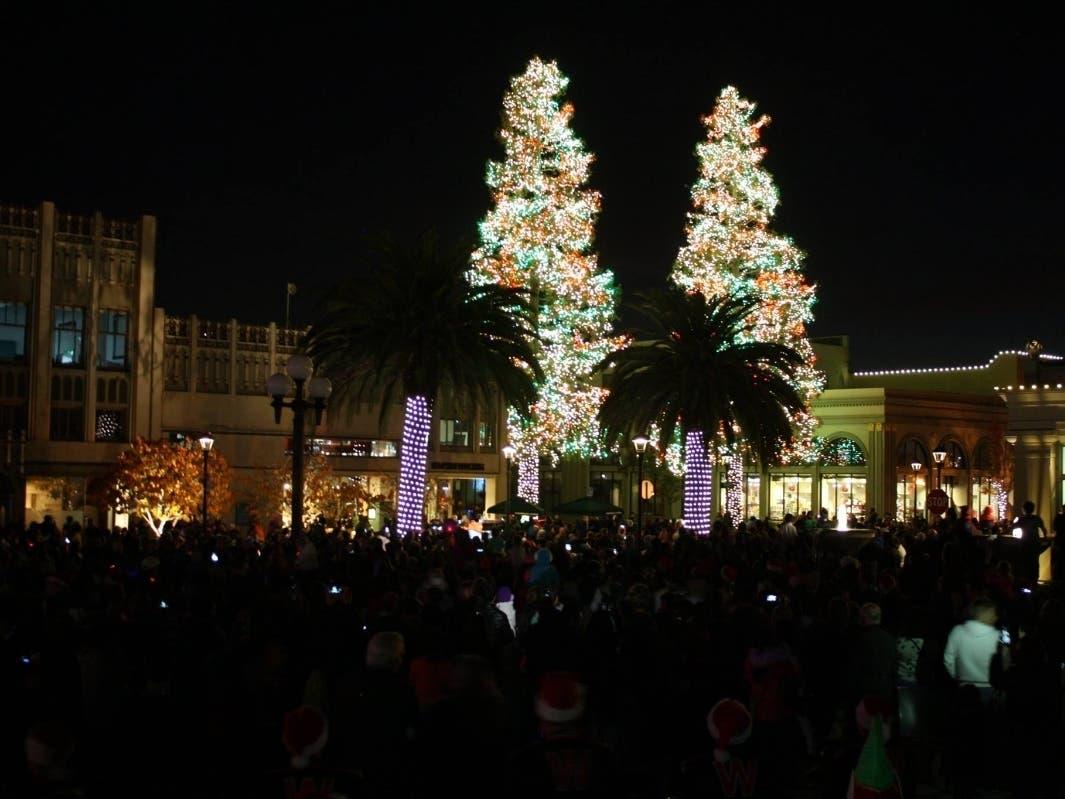 Christmas Parafe Redwood City 2020 Downtown Redwood City Celebrates Annual Tree Lighting Saturday