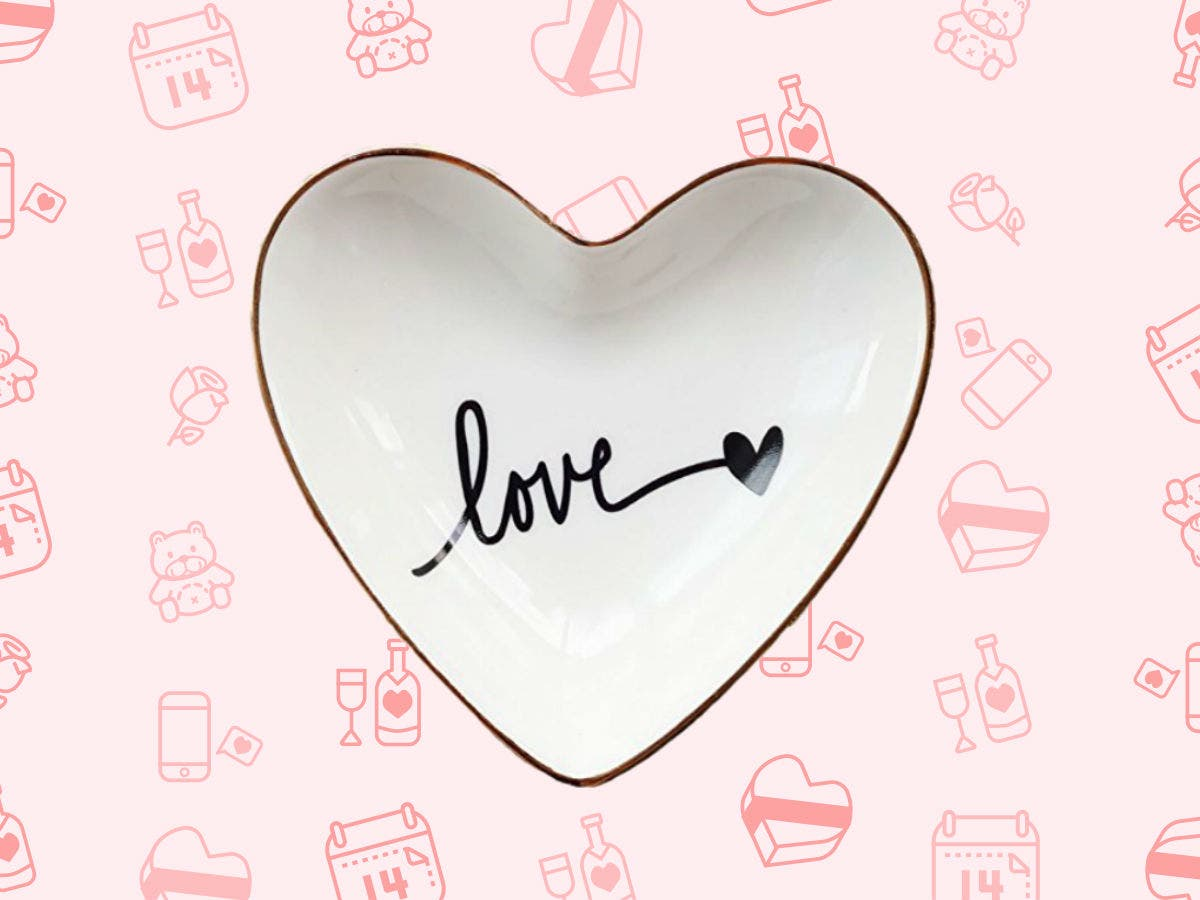 a434d7120 The Best Valentine's Day Gifts For Her | Across America, US Patch
