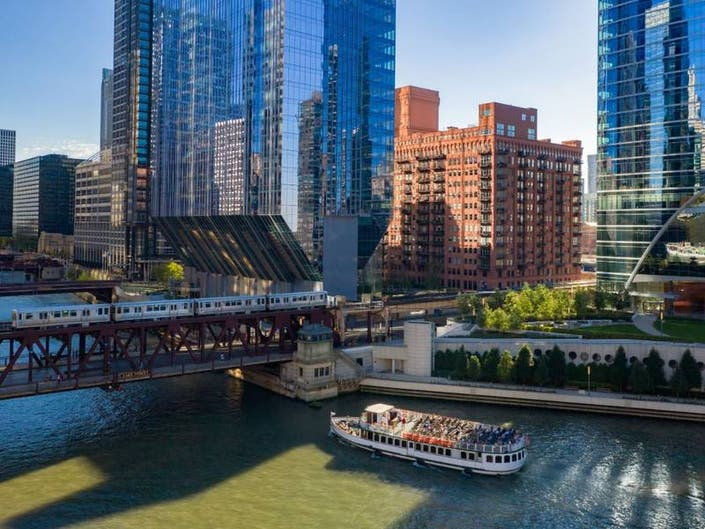 Best Staycation Spots In Chicago: Where To Eat, Relax And Explore