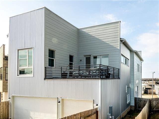 East Austin WOW Houses: Modern Design