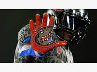 brand new 86680 8874b Florida Gators Unveil Swamp Green Uniforms Against Aggies ...