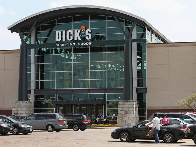 Dick S Sporting Goods Won T Sell Guns To Anyone Under 21 Tampa Fl