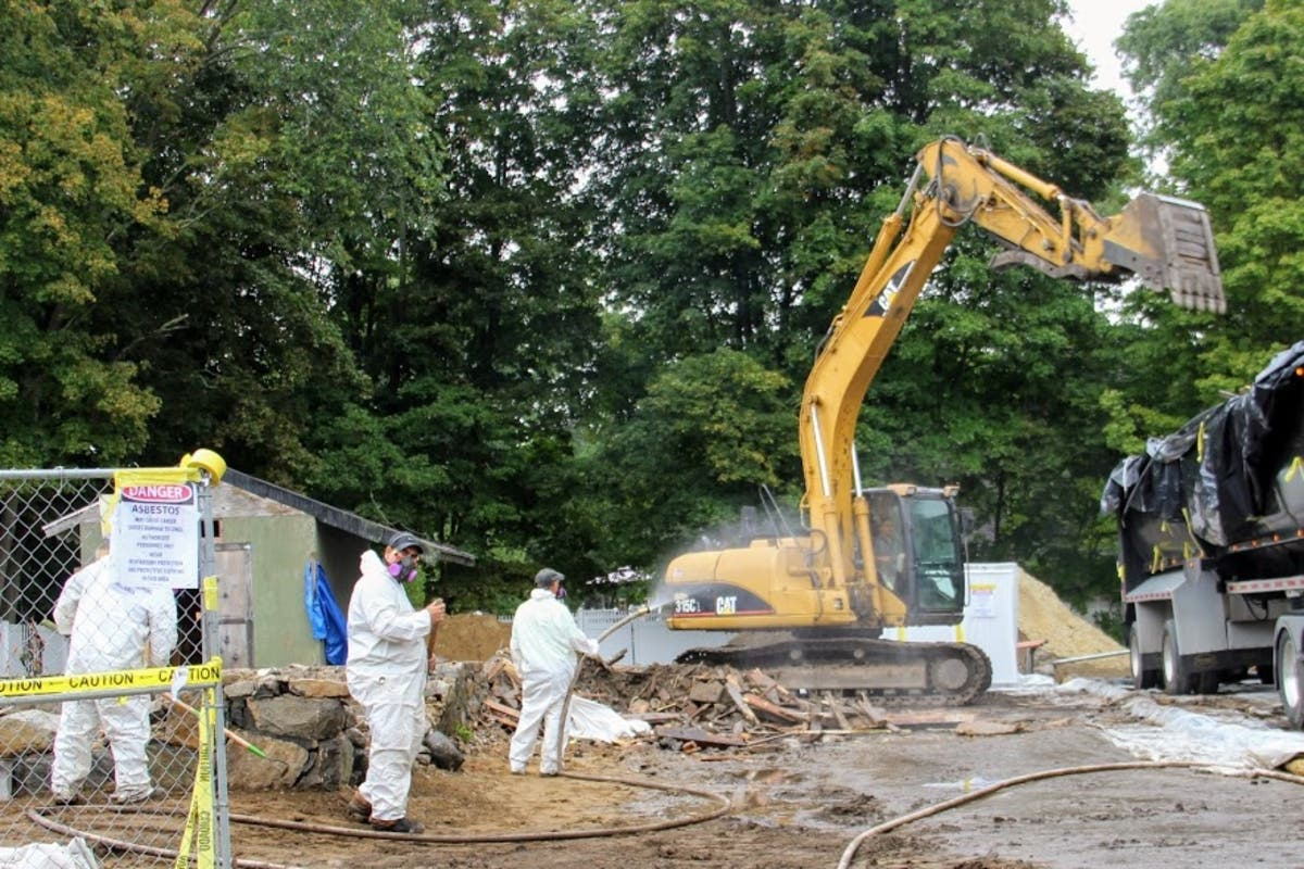 Contractor Tied To Asbestos Removal In Wilmington Slapped