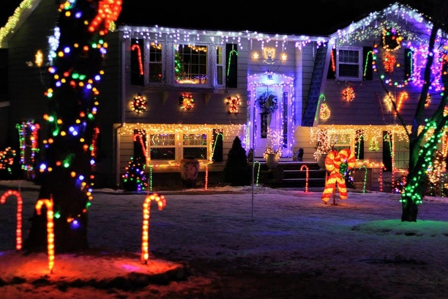 Christmas Lights On Houses.20 Years And Counting For Jaw Dropping Tewksbury Light