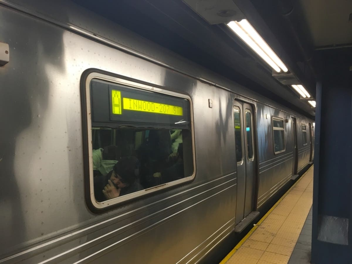 Nyc Subway Delays Broken Rail Causes Commute Chaos New York
