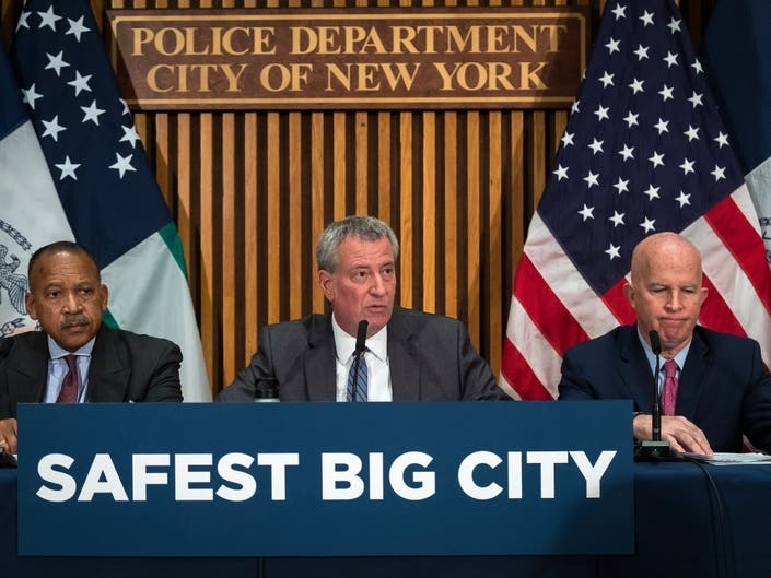 De Blasio Defends Expanding NYCs Cooperation With ICE