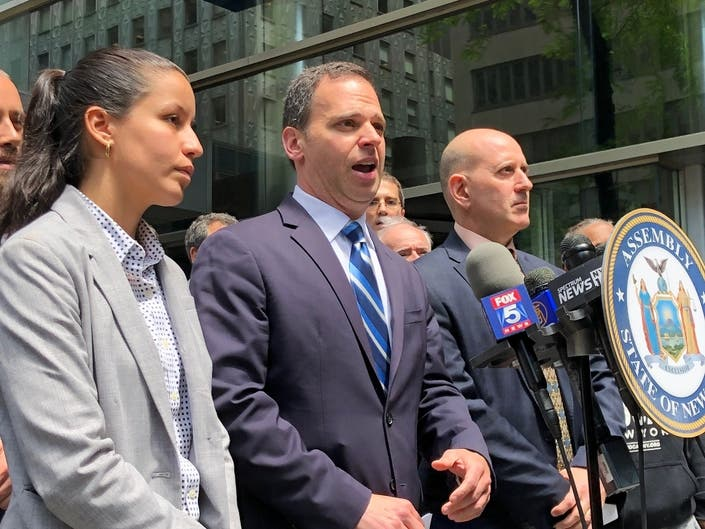 Get Rid Of NYs Gravity Knife Ban, Reformers Urge Cuomo