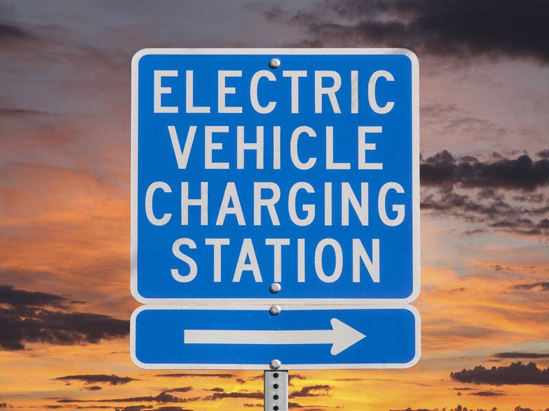 Ameren Plans 1 200 Charging Stations For Electric Vehicles
