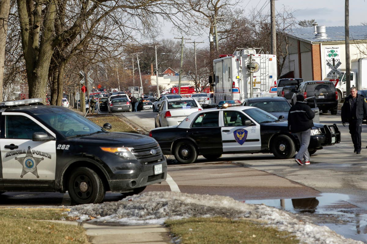 5 Dead, 5 Police Wounded In Aurora, Illinois Shooting: Photos